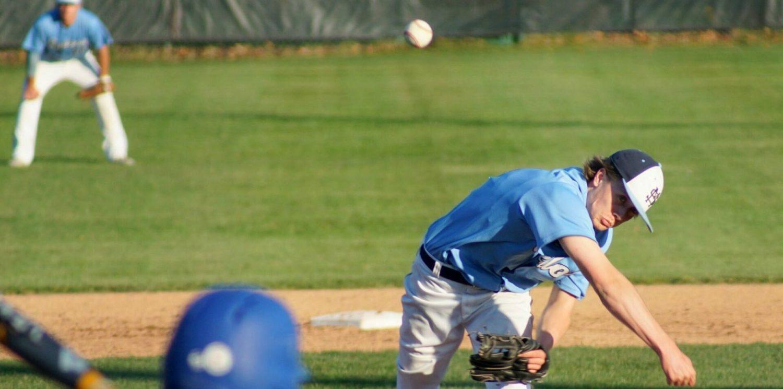 Mona Shores baseball team beats Montague 3-1 under the lights at Marsh Field