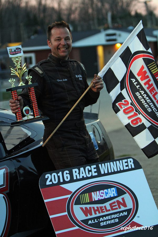 Dave Lake - Superstock feature race winner. Photo/Carol Cooper