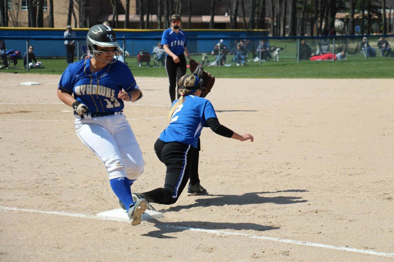 McKenzie Butgereit beats out the throw at first base. Photo/Steve Gunn