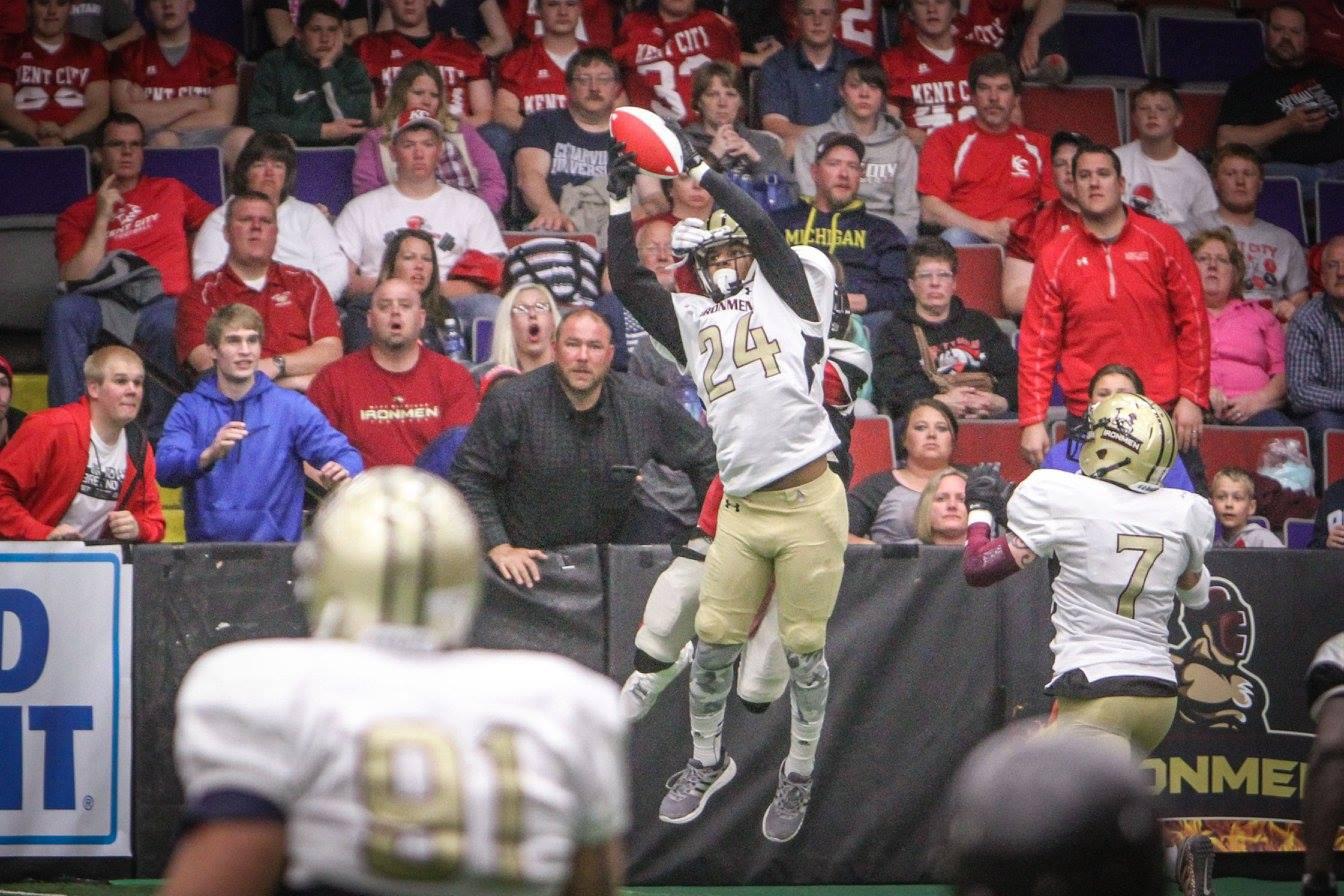 Ironmen receiver Deonte' Hurst catches the TD. Photo/Joe Lane