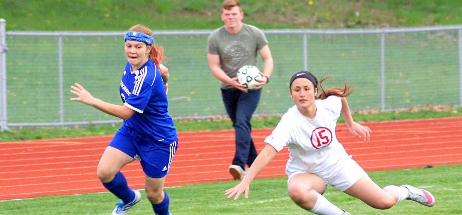 Oakridge girls soccer team beats Whitehall, in hunt for another league title
