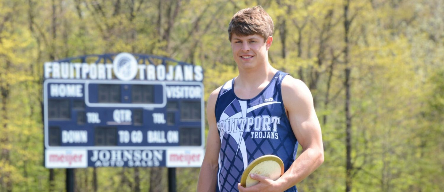 Fruitport's Nick Kramer is out to prove he's the best discus thrower in Division 2