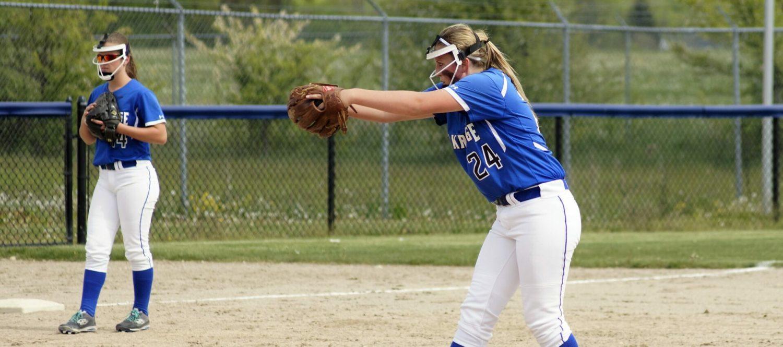 Oakridge remains unbeaten in softball, sweeps Ravenna in doubleheader