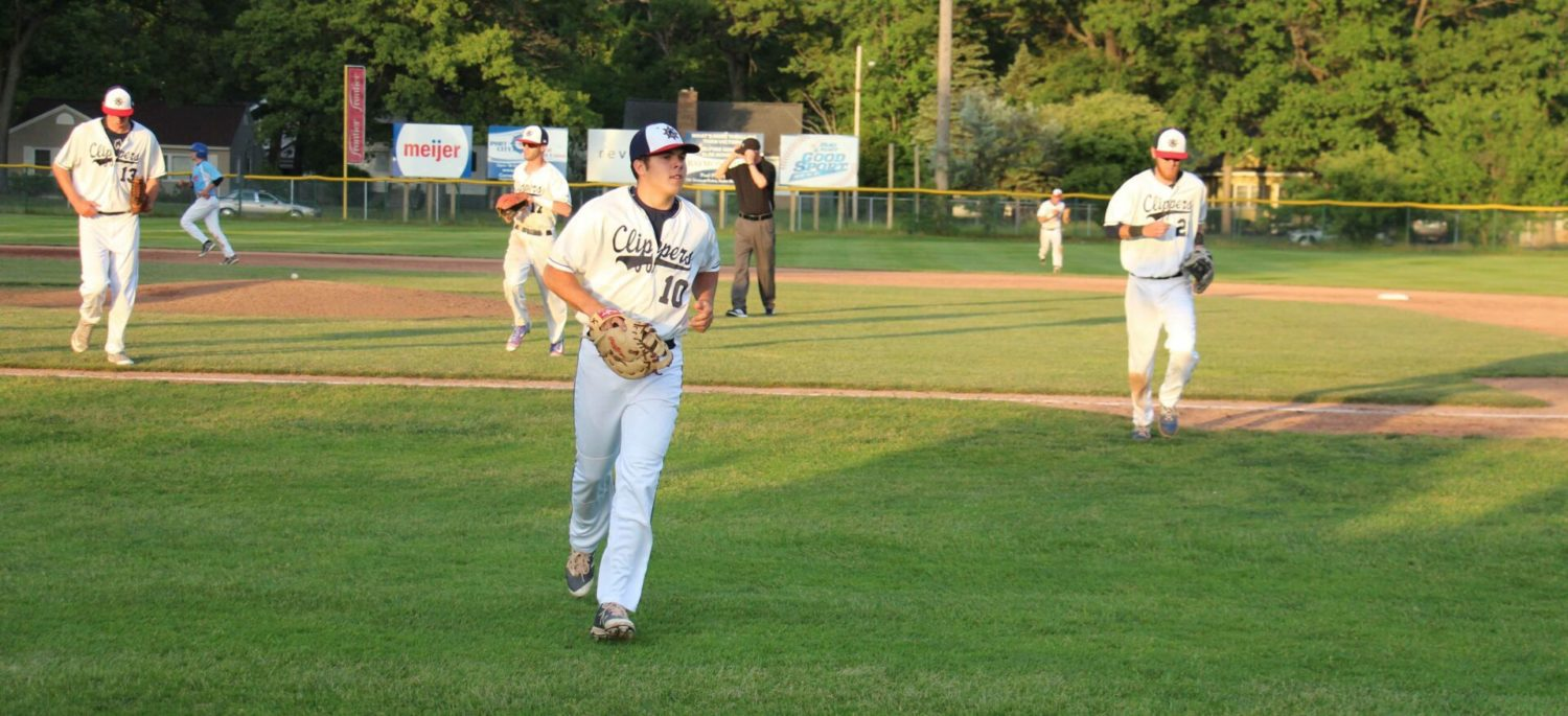 Clippers bounce back offensively, smoke the Shoreline Salmon 18-4