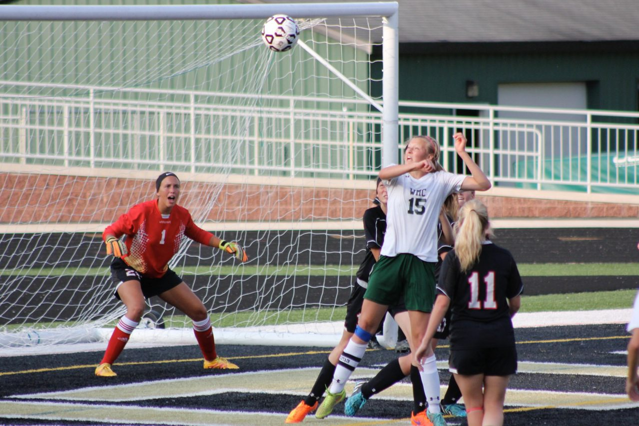 Jessica Kinnucan looks for the head ball off the corner kick. Photo/Jeff Erickson