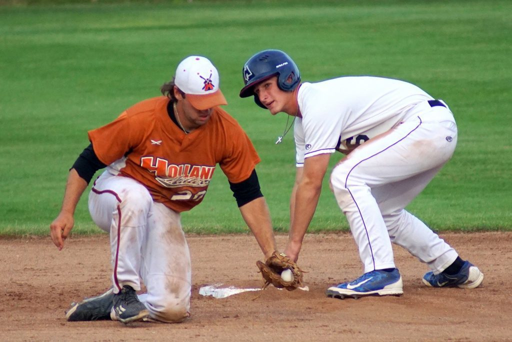 Jacob Buschberger reaches second base for one of his three Clipper hits on the night. Photo/Leo Valdez