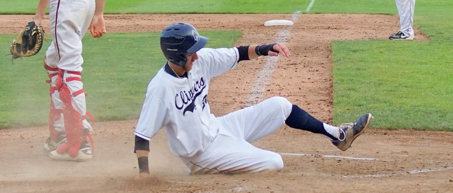 Clippers start late, then blast past Illinois team in first game of regionals