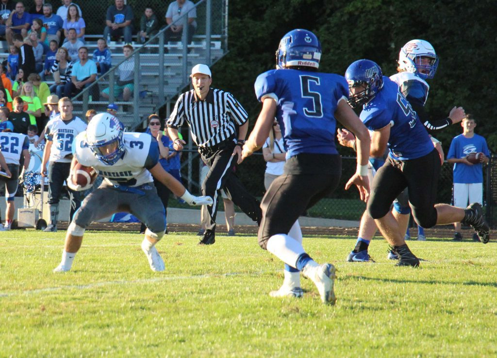 Montague running back Eddie Caviedes makes a cut during the first quarter of action. Photo/Jason Goorman