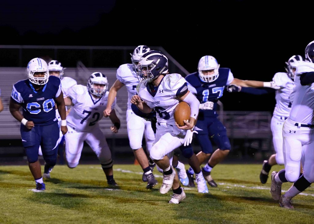 Fruitport used a heavy dose of running with Levi Six (6).  (photo/Eric Sturr)