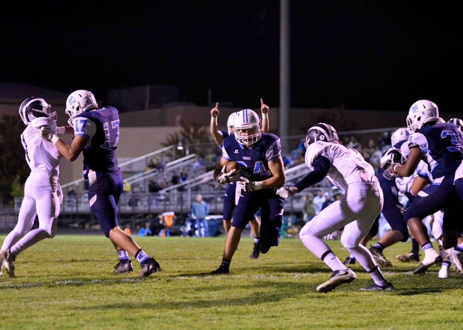 Mona Shores races past Fruitport 41-14, waits to see if it can sneak into the playoffs