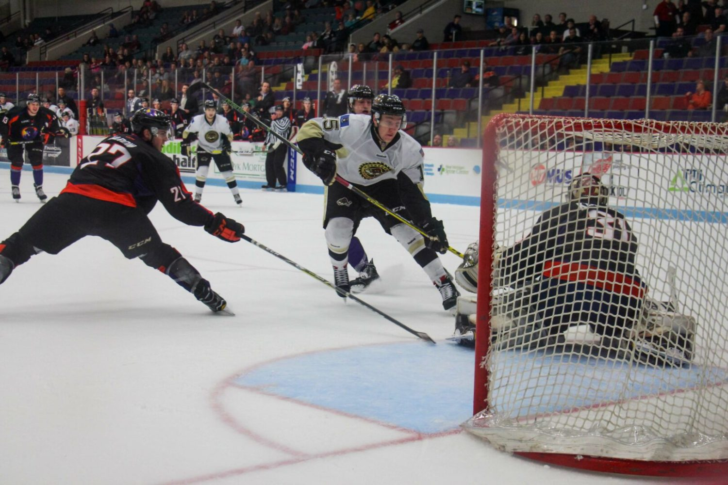 Lumberjacks complete a bad weekend with a 7-4 loss to Youngstown