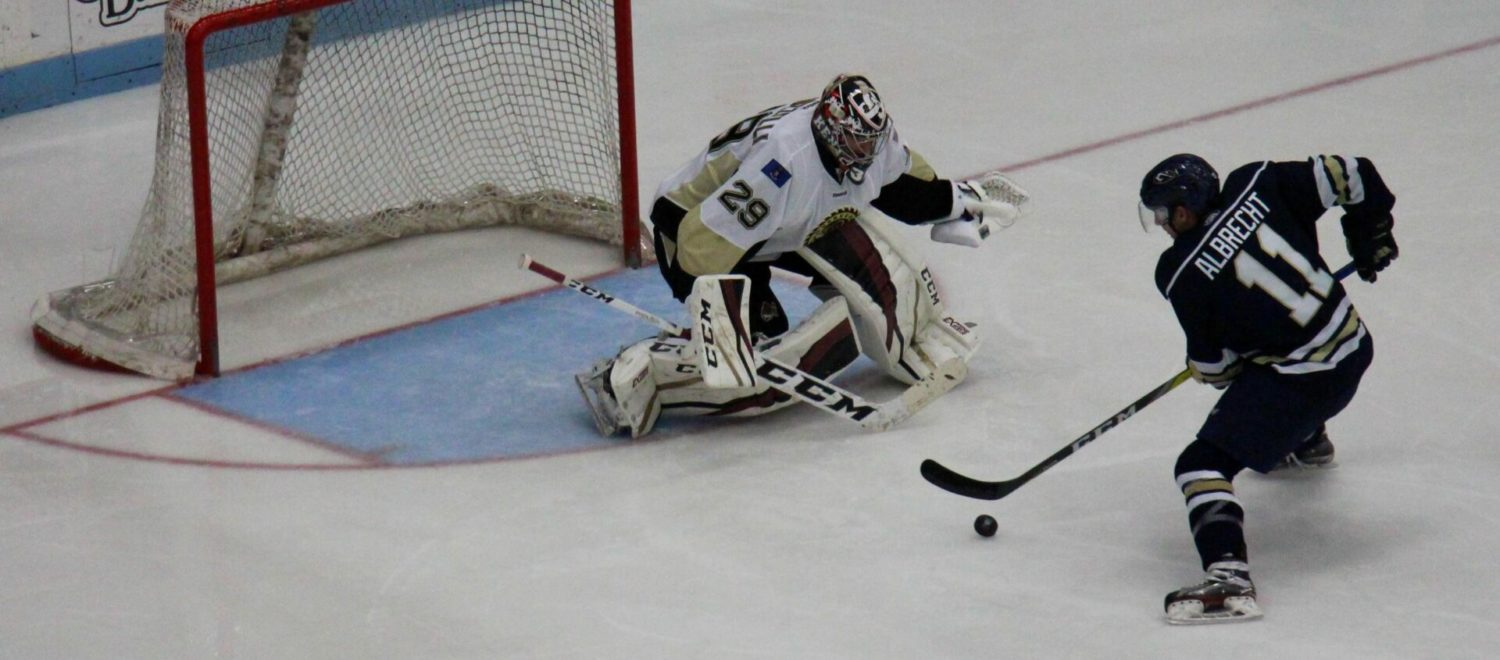 Lumberjacks pepper Sioux Falls goalie with 60 shots, but still manage to lose 2-1