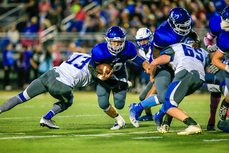 Brady Luttrull finds room on the Oakridge rush. Photo/Tim Reilly