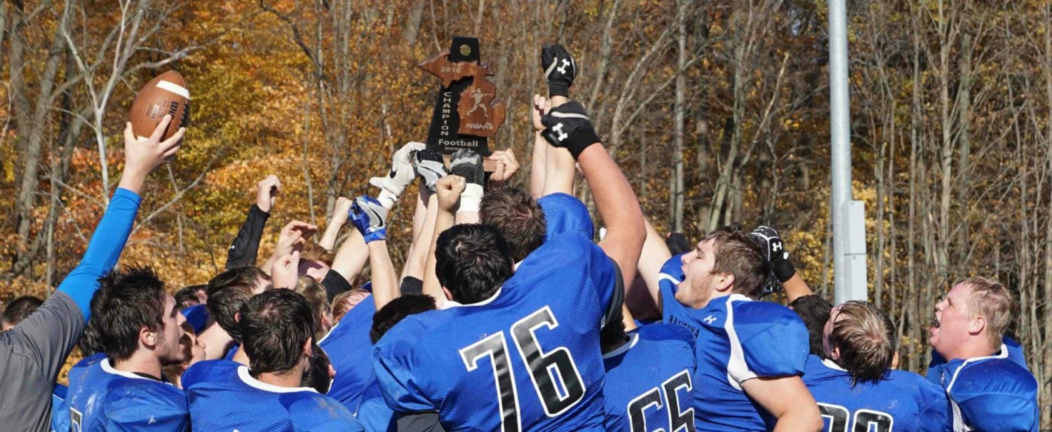 Thompson, Ravenna race past Kent City 20-7, earn a Division 6 district football title