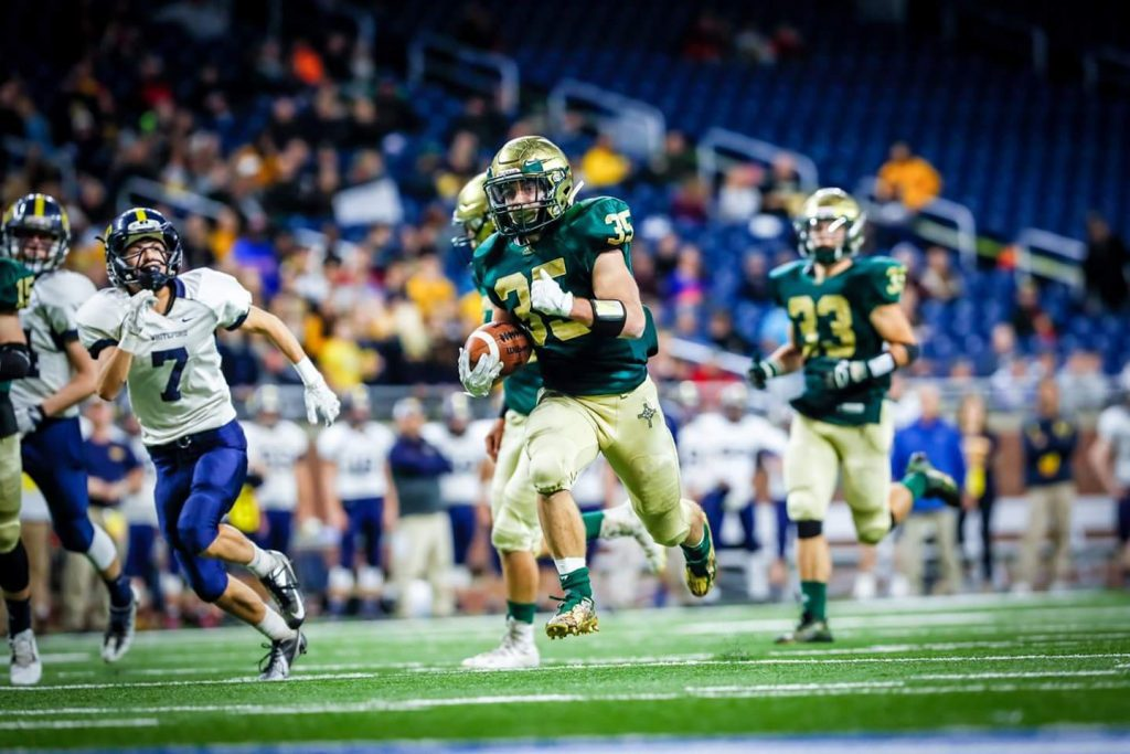 Logan Helton rushes for a 26-yard MCC touchdown. Photo/Tim Reilly