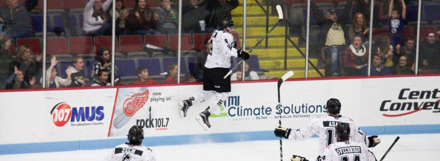 Lumberjacks rally for an exciting 4-2 victory over winless Cedar Rapids
