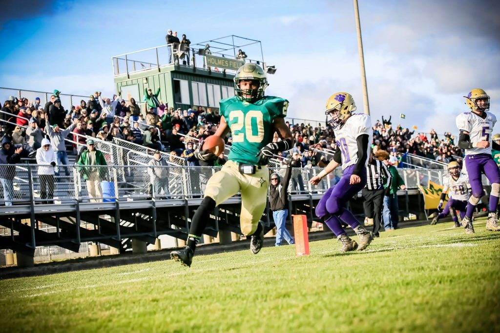 LaTommy Scott finds his way to the end zone for MCC. Photo/Tim Reilly