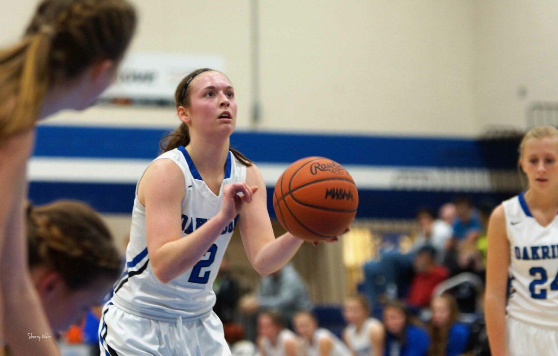 Oakridge girls basketball team reaches 60 straight league wins, defeats Montague