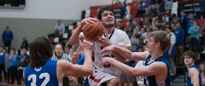 Whitehall boys withstand Montague comeback, clinch a share of conference championship