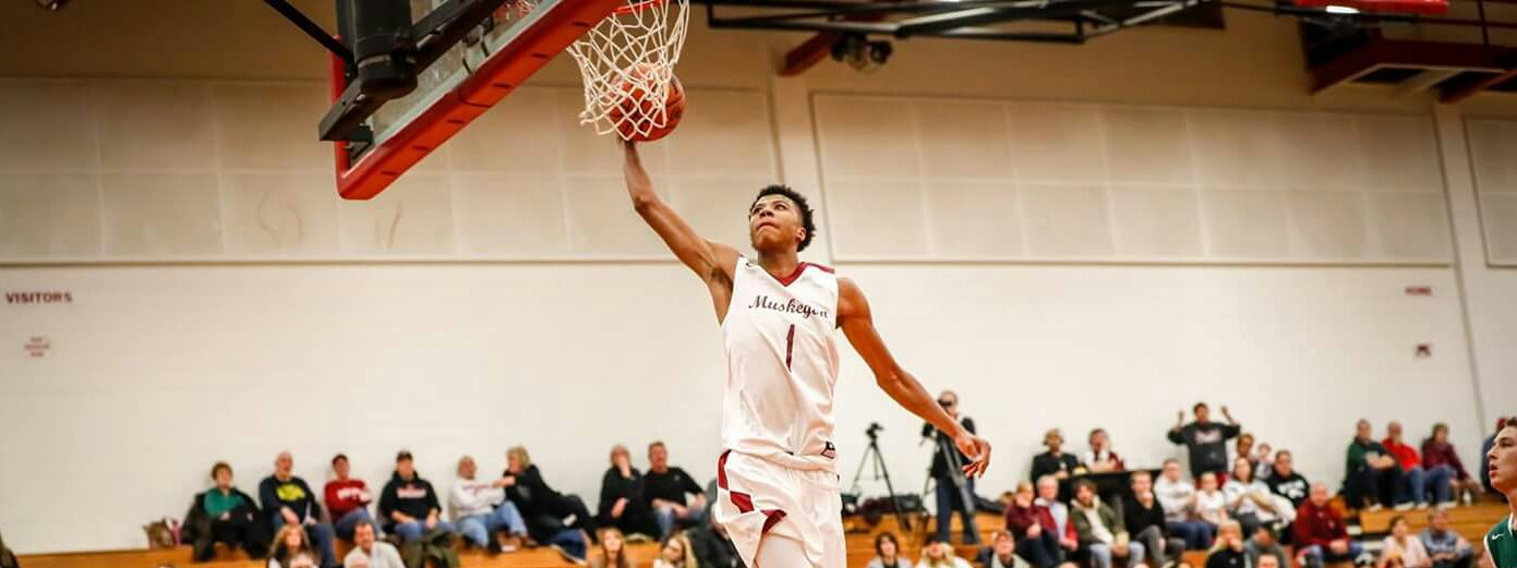 Muskegon Big Reds' big season is extra special for Markell Jackson … and his father