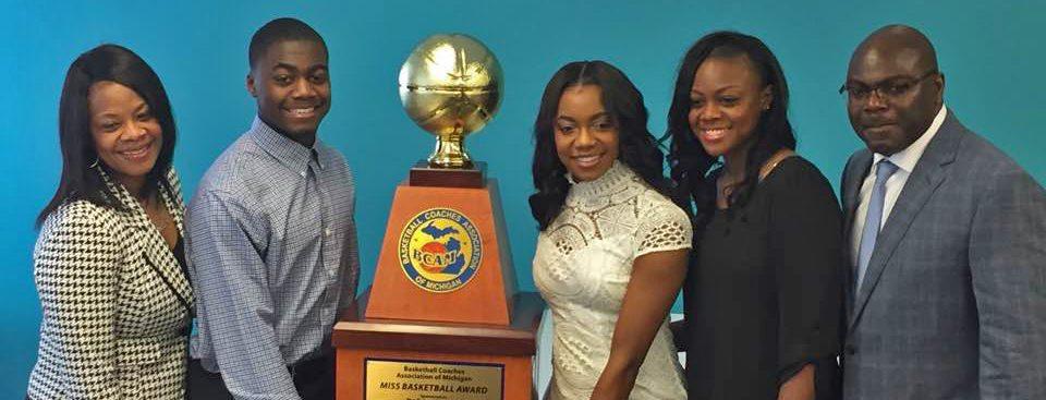 Mona Shores star guard Jordan Walker wins 2017 Michigan Miss Basketball award