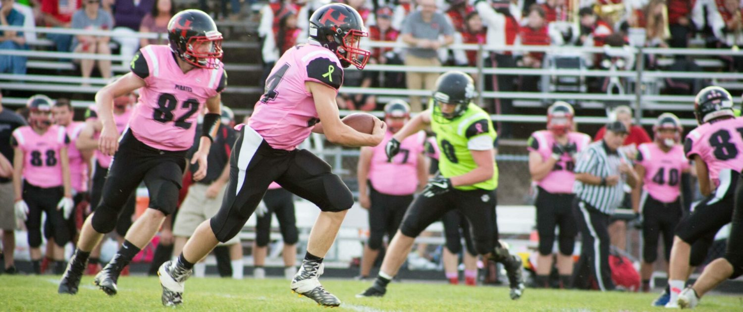 Hart football team rallies to gain its second consecutive win over archrival Shelby, 14-7