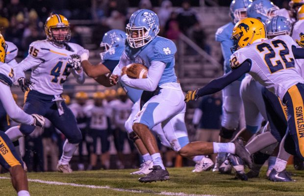 Robbins Huge Game Propels Mona Shores To A 45 17 Playoff Win Over