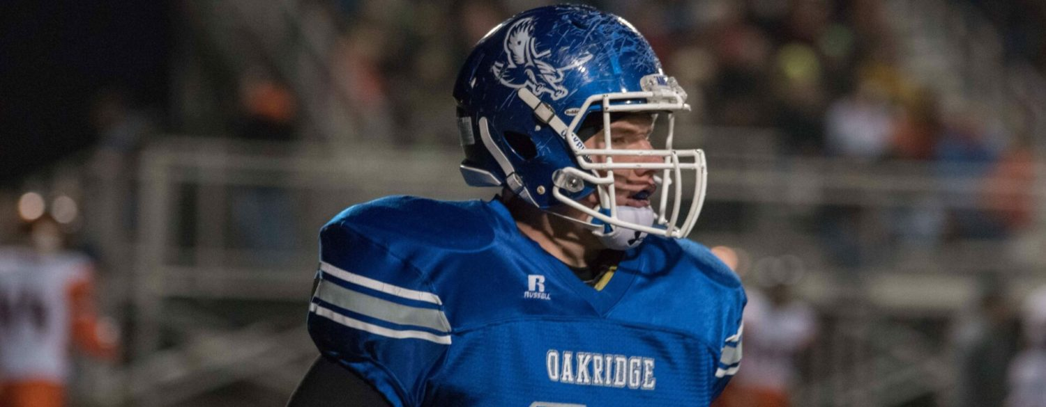 Oakridge runs past Grant 38-0 to claim a district title and advance in the playoffs