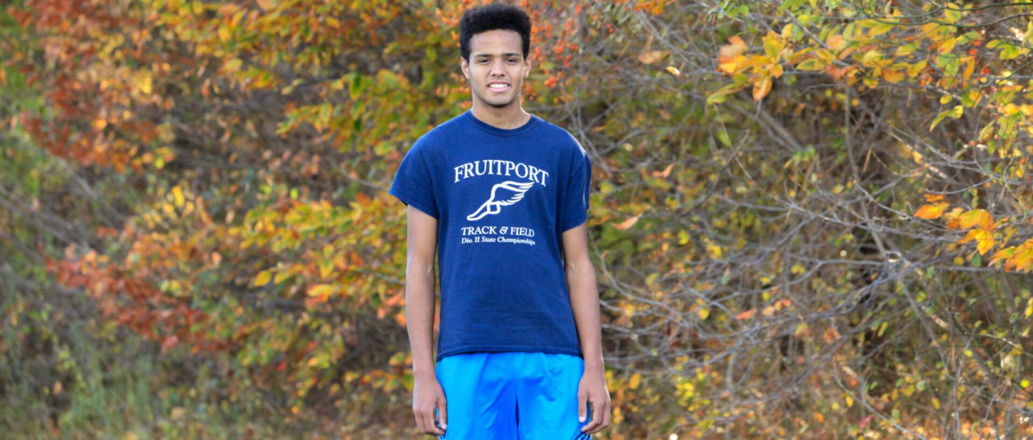After slowing to help a teammate last year, Fruitport's Oleen is running for state honors