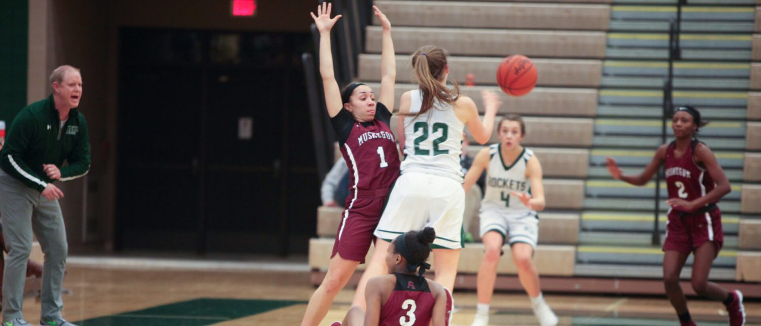 Alyza Winston leads Muskegon girls to a conference win over Reeths-Puffer