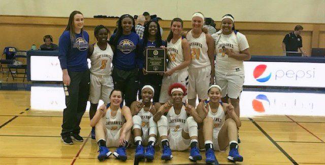 Jayhawks women's basketball team beats Macomb in MCCAA state championship game