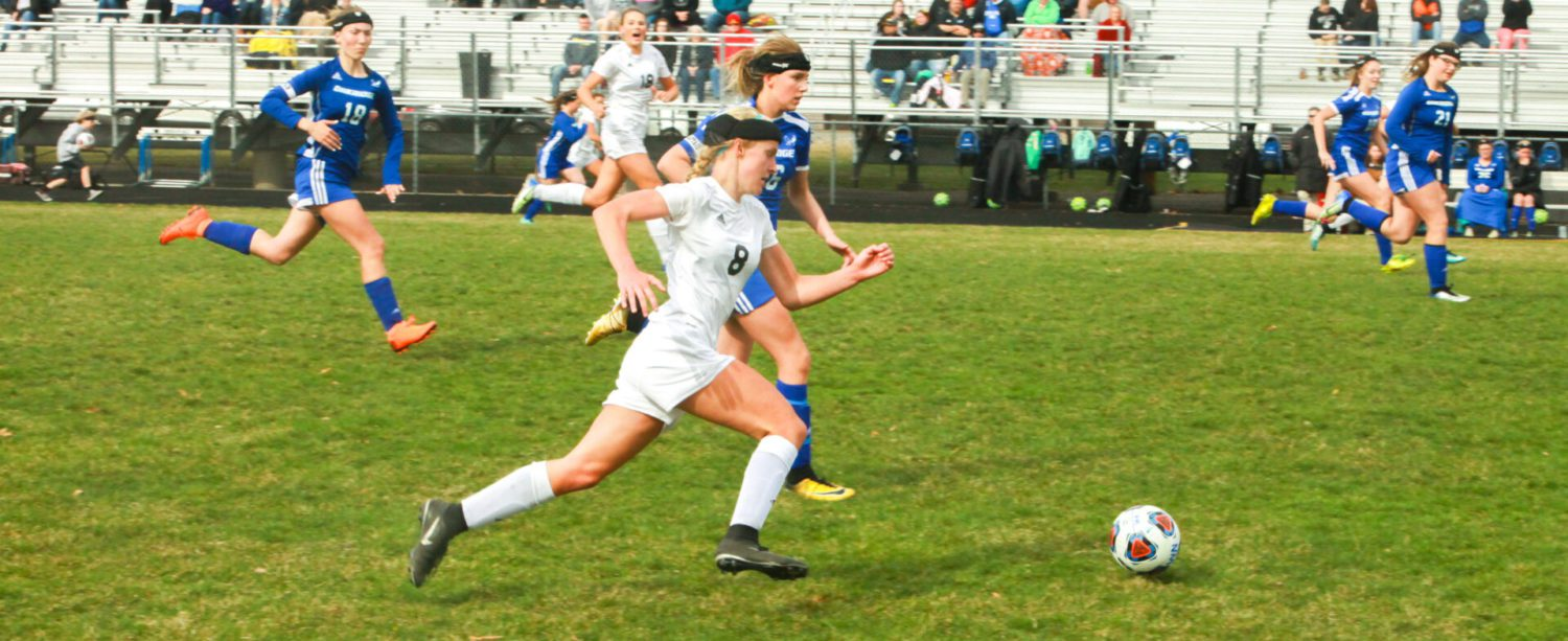 North Muskegon girls' soccer team remains unbeaten with a 7-0 win over Oakridge