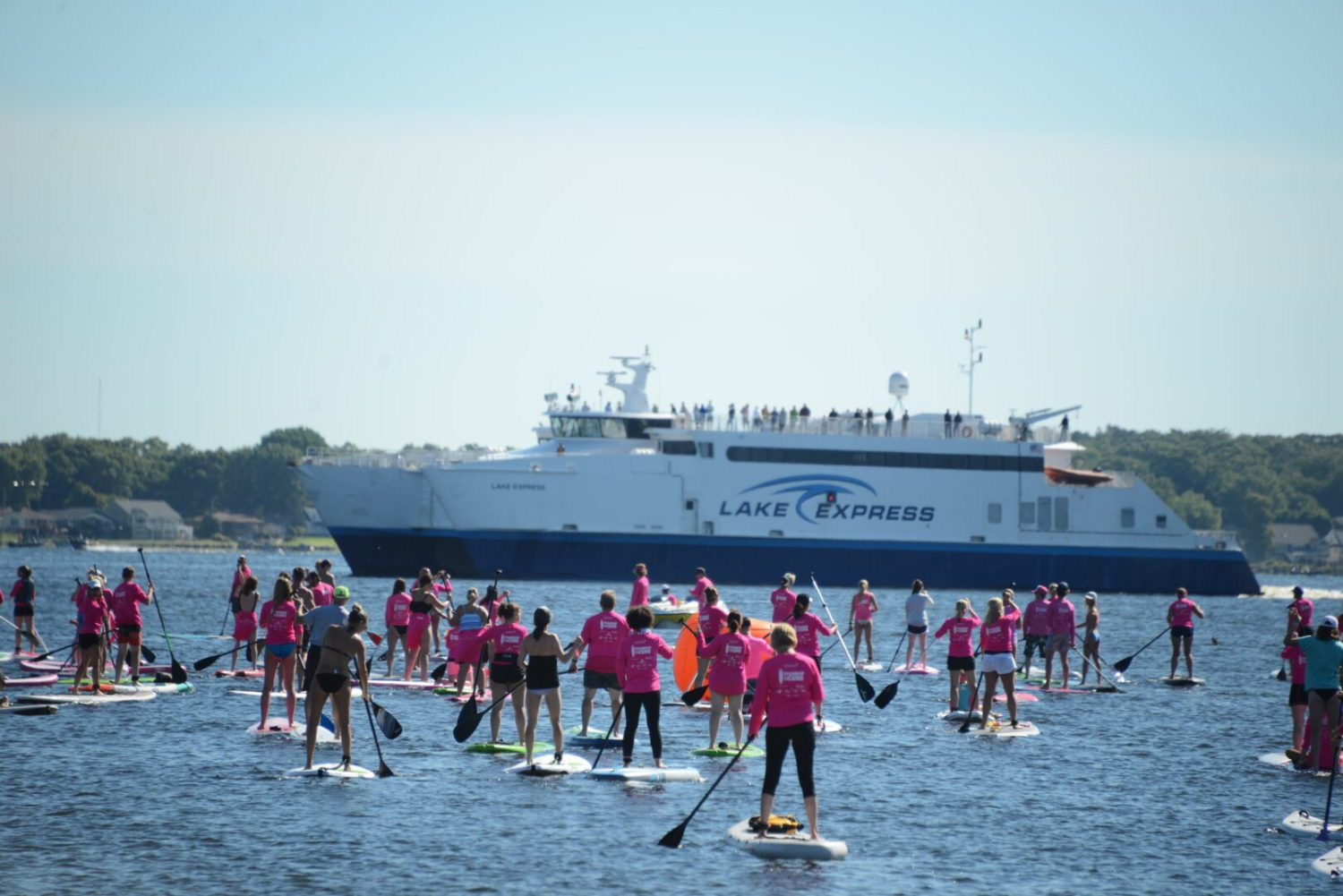 Stand Up for the Cure converges on Harbour Towne Beach, brings Justin Abdelkader too