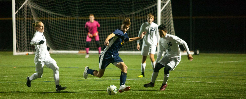 Grand Haven sneaks past stubborn Mona Shores in Division 1 soccer shootout