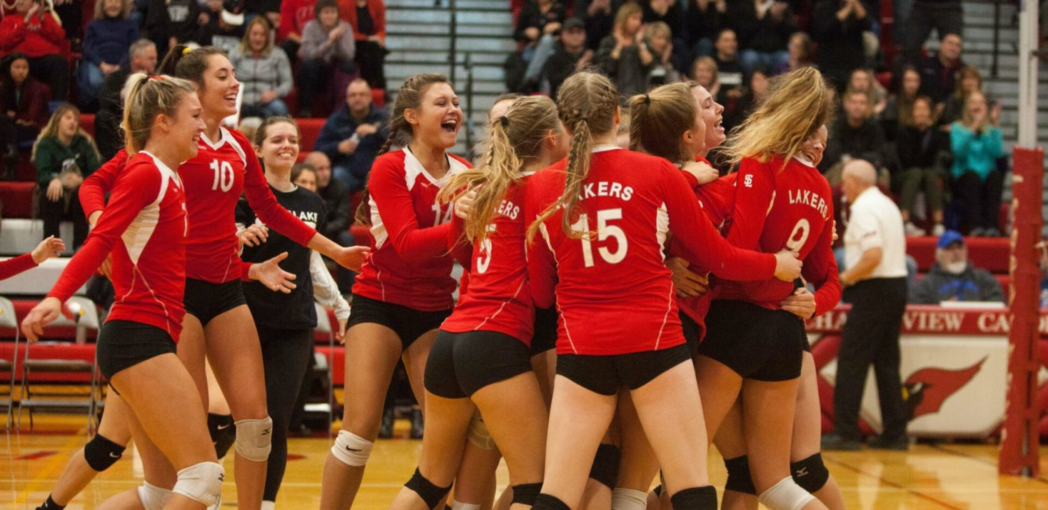 Spring Lake battles past Whitehall, wins first district volleyball title since 2013