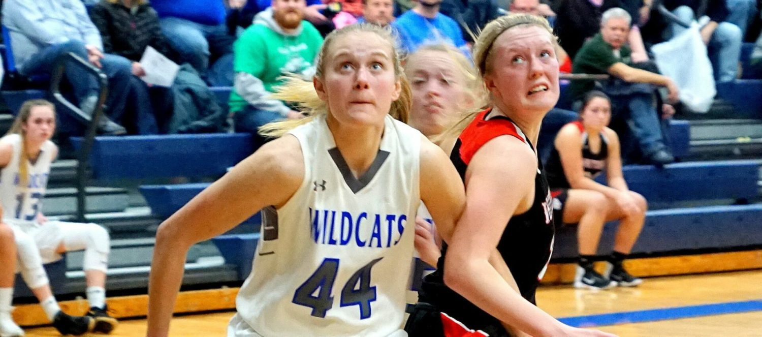 Big fourth quarter leads Montague girls to a comeback victory over Whitehall