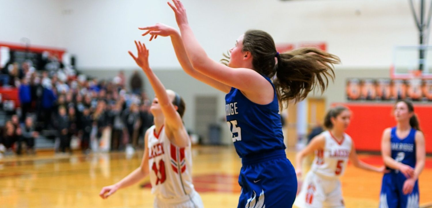Oakridge girls rally in second half to beat Spring Lake 59-54 in Division 2 semifinals