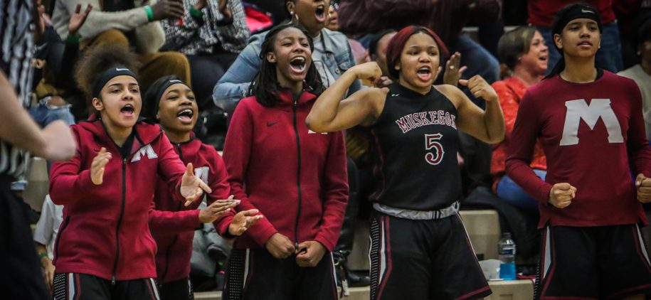 Big Red girls rally in second half to edge R-P 46-42, win second straight district title