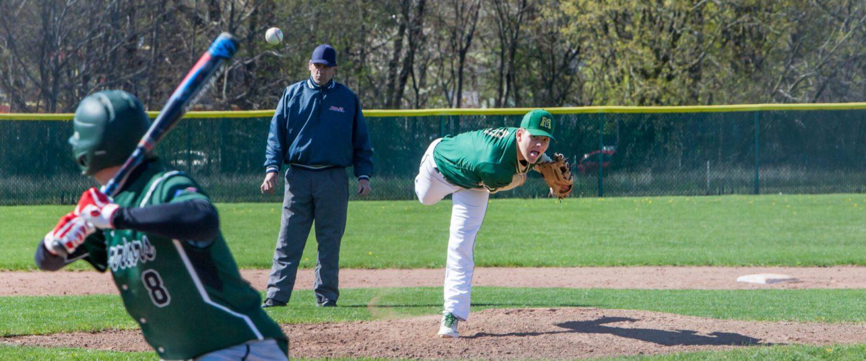 Muskegon Catholic baseball team uses pitching, stolen bases to sweep WMC