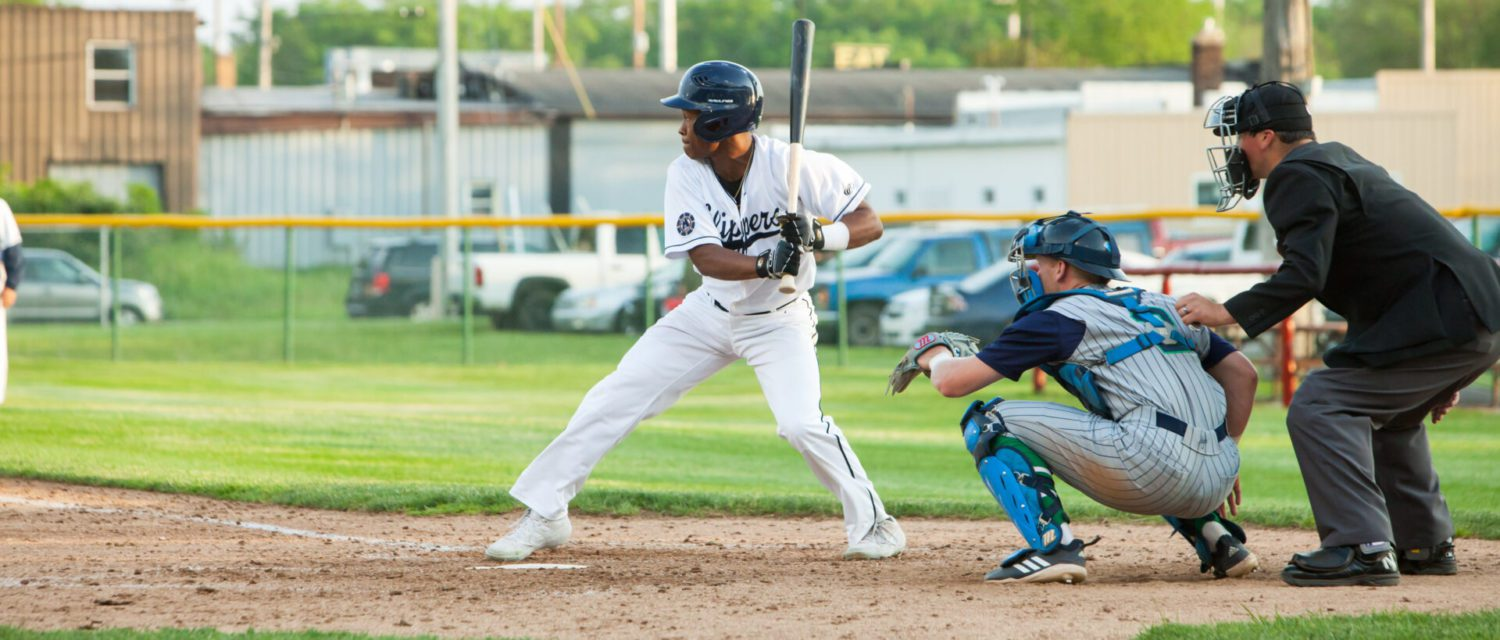 Clippers rebound from an ugly loss with a ninth-inning walk-off win over Monarchs