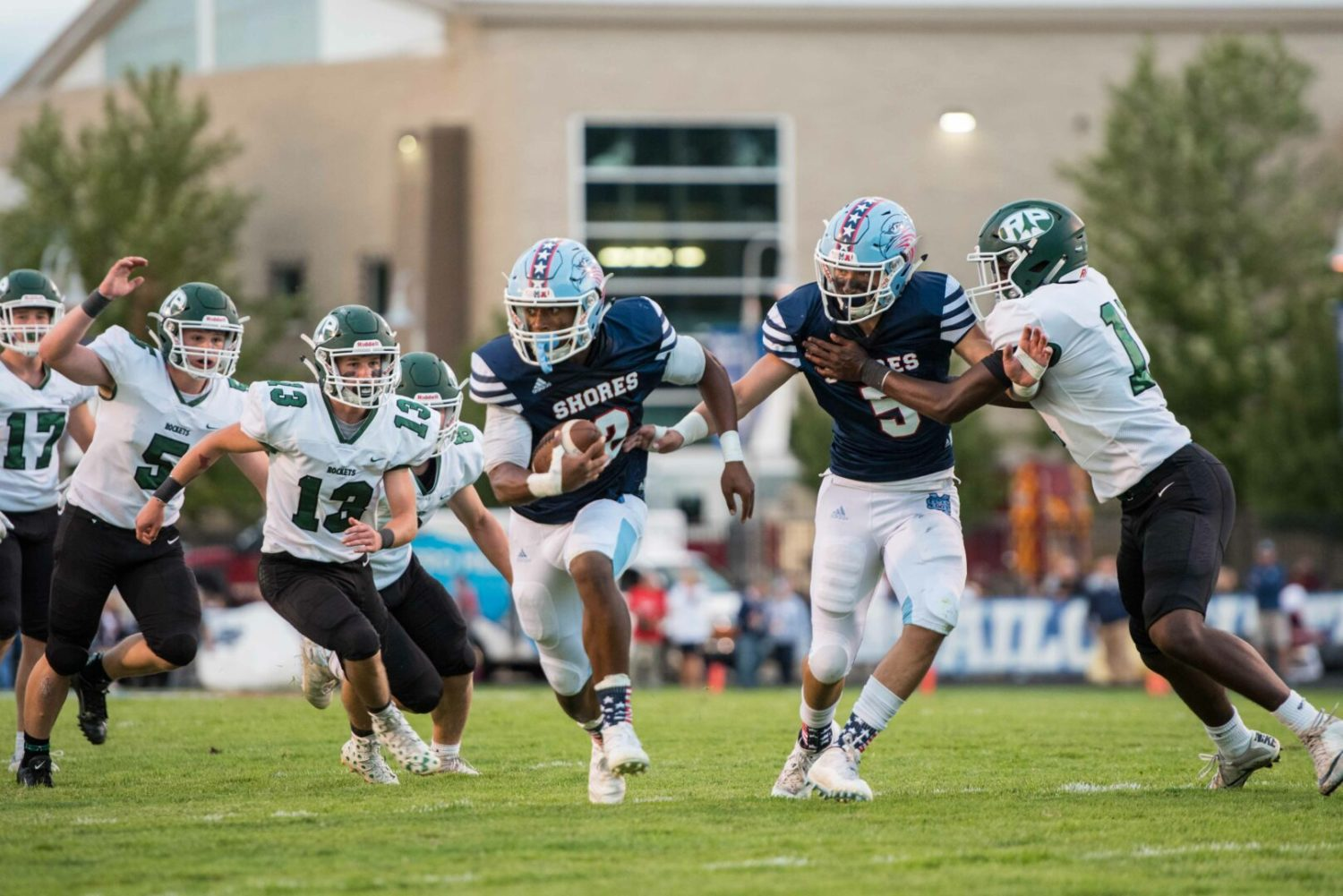 Caden Broersma returns in style, leading Mona Shores to a 33-13 win over R-P