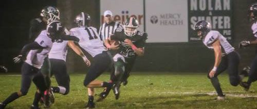 Reeths-Puffer takes advantage of Fruitport mistakes, tops Trojans 22-0 to keep playoff hopes alive