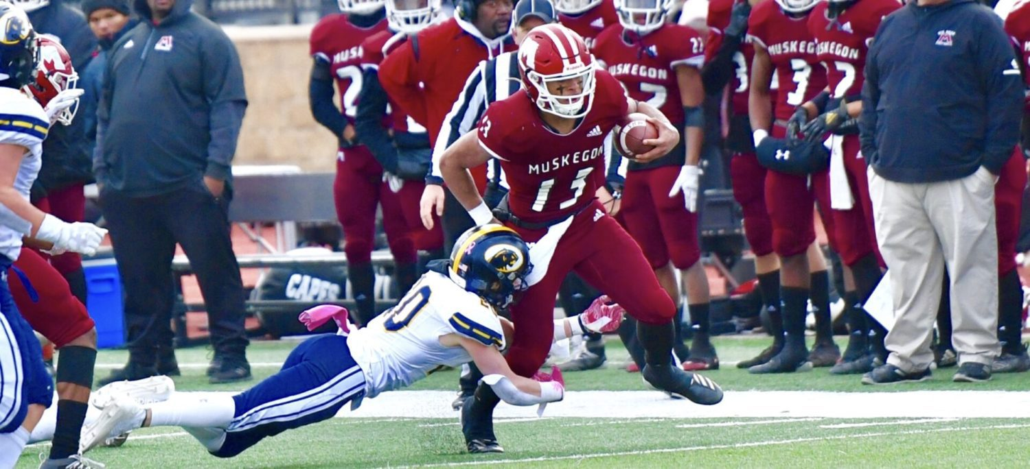 Big Reds pushed hard in state semifinals, but Martinez leads them to a 28-21 victory