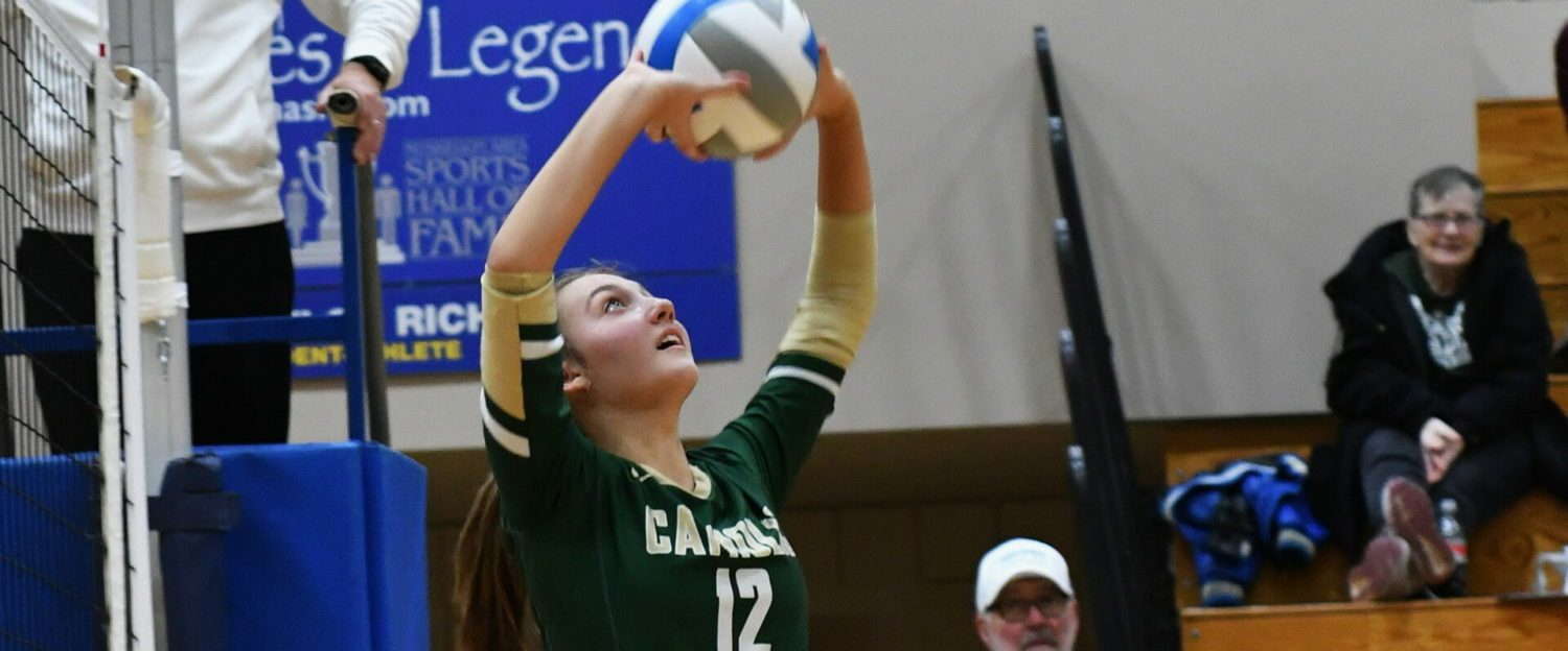 Muskegon Catholic volleyball sweeps through semifinals, earns a berth in district title match