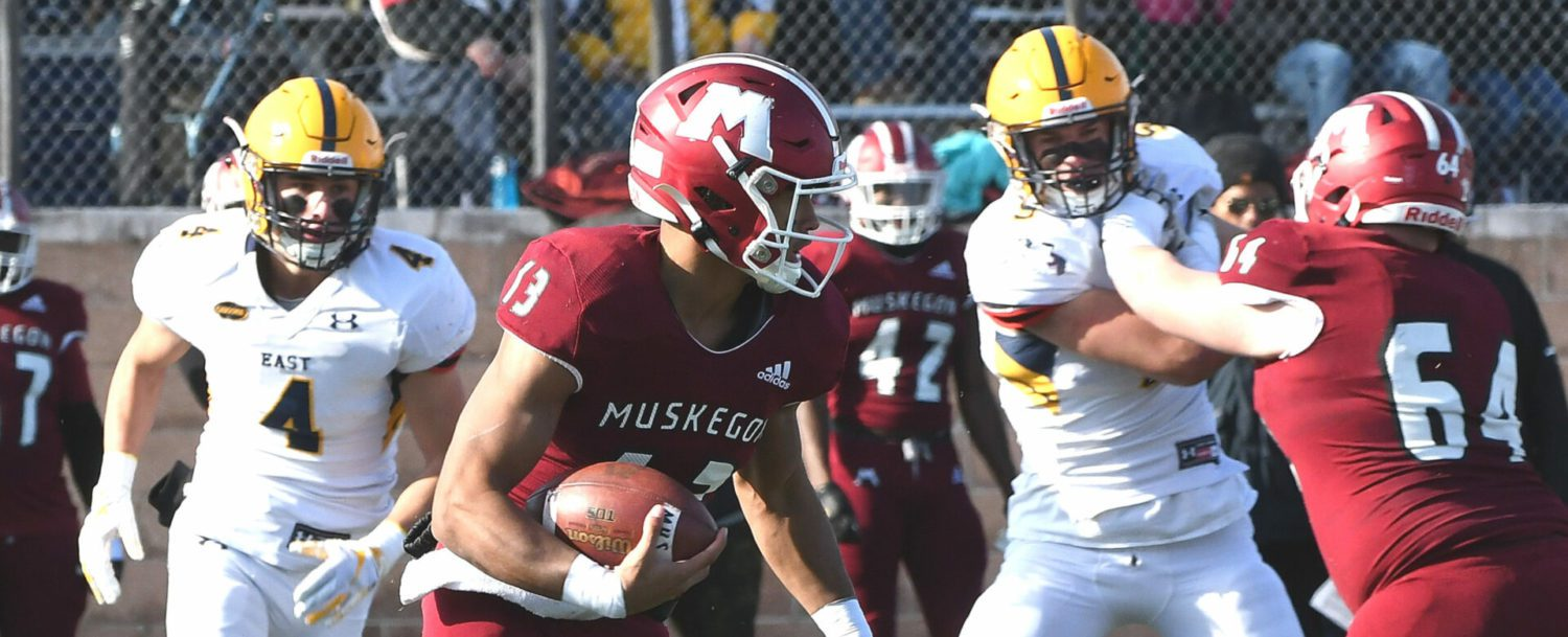 Big Reds pull away in second half, beat EGR 49-10, advance to D3 state semifinals