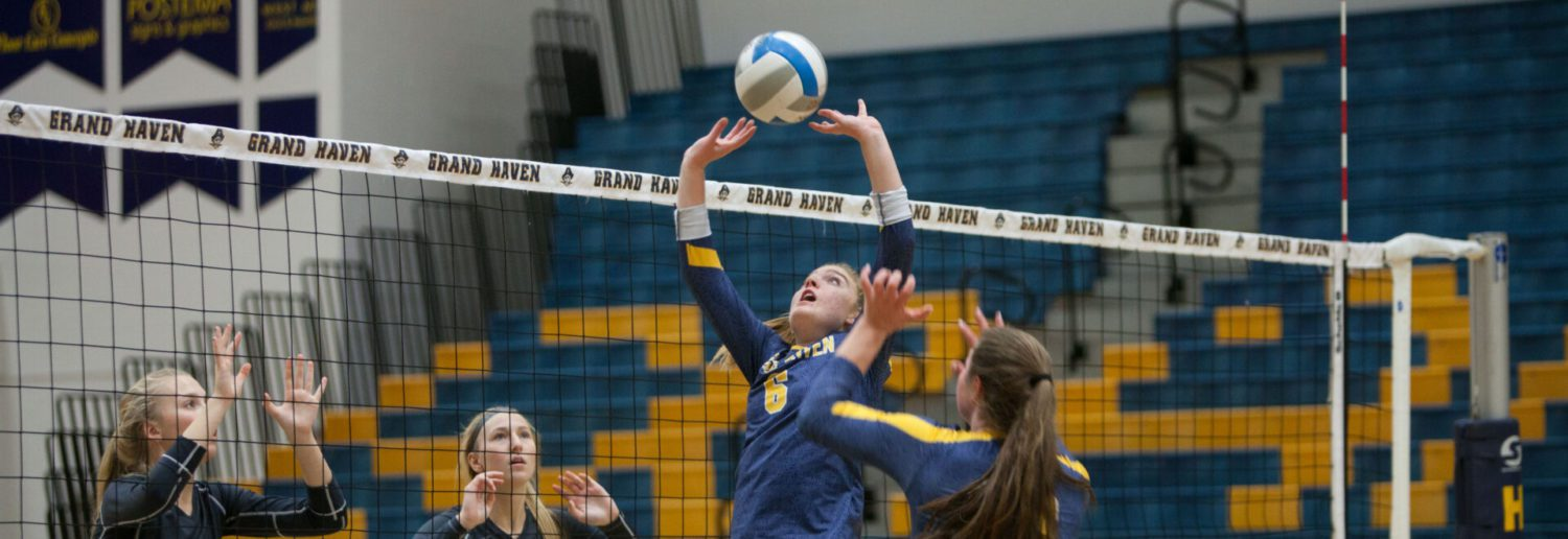 Grand Haven volleyball kicks off Division 1 districts with a straight-set win over Mona Shores