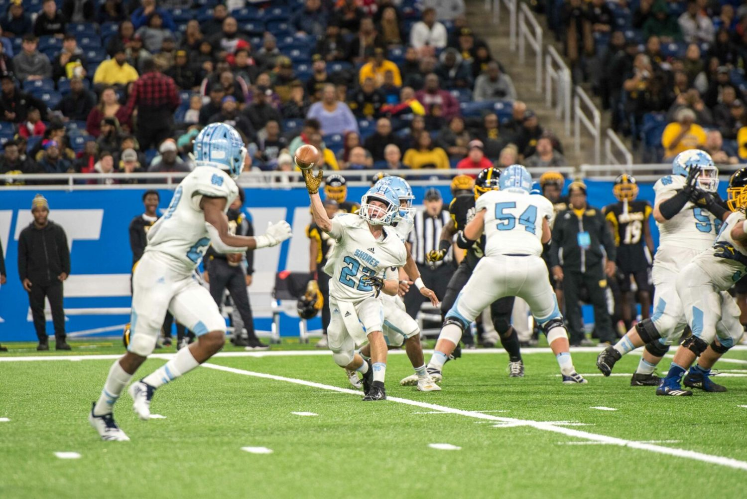 Backup QB Rose shines again, leading Mona Shores to first state football championship