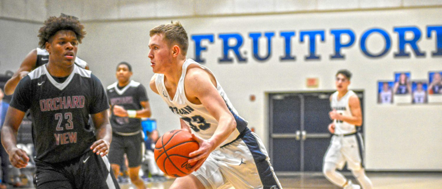 Gavin Fisher scores 34 points, leading Fruitport boys to a stunning 77-33 win over OV