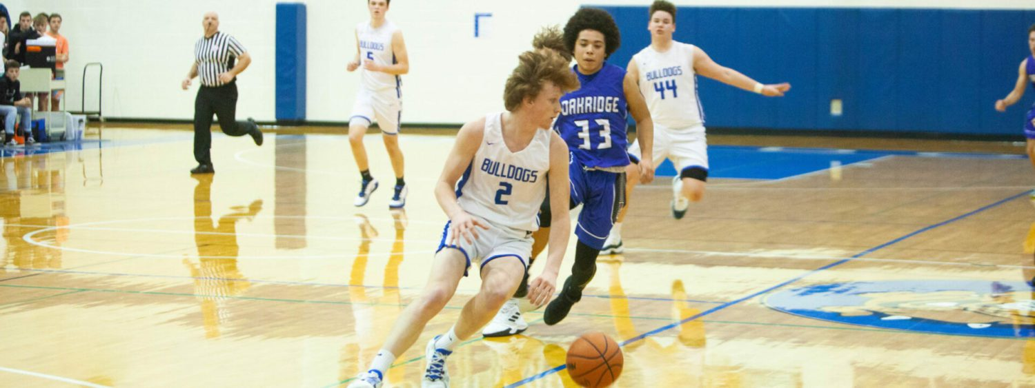 Surging Ravenna boys outlast Oakridge, move to top in West Michigan Conference