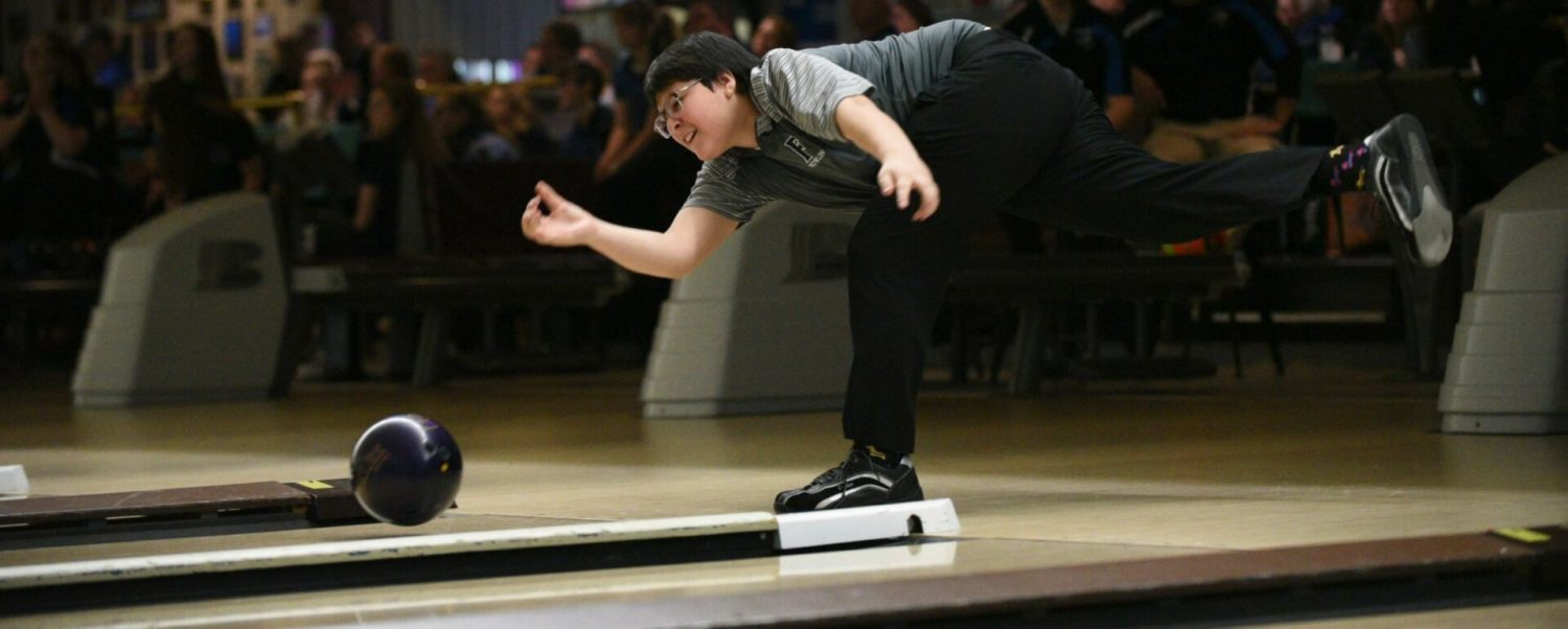 Fruitport boys, Ravenna girls win GMAA bowling titles; Weaver and Graham are individual champs